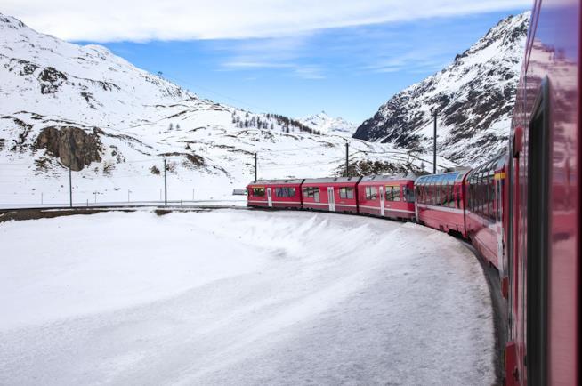 Idee regalo per Natale: un viaggio sul Bernina Express.