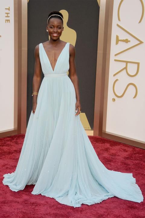 Lupita Nyong'o sul red carpet degli Oscar
