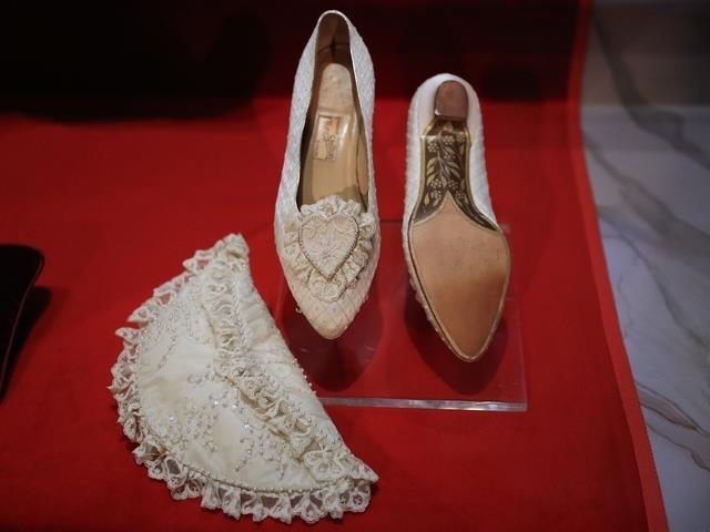 Le scarpe indossate da Diana nel giorno delle nozze