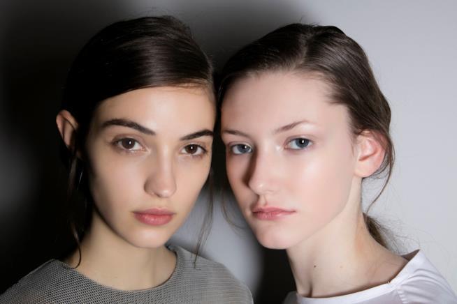 Modelle con capelli castani