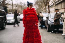 Outfit composto da long dress dallo Street Style Copenhagen