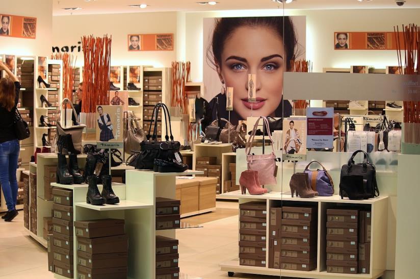 buy popular 9e6a8 c8316 Shopping online: i migliori siti per fare acquisti senza ...