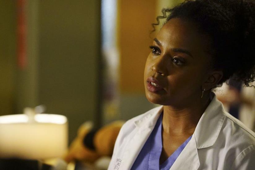 Jerrika Hinton in una scena di Grey's Anatomy