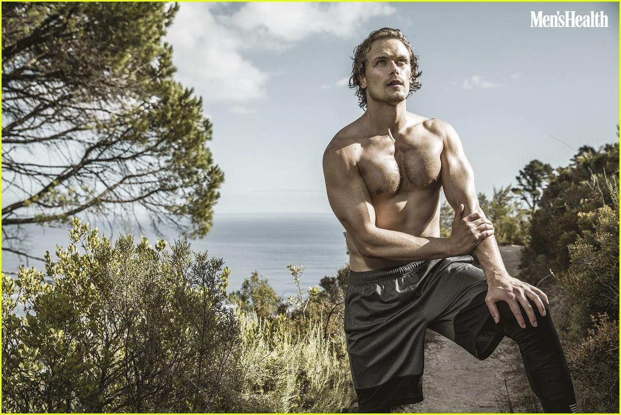 Sam Heughan sexy nel servizio di Men's Health