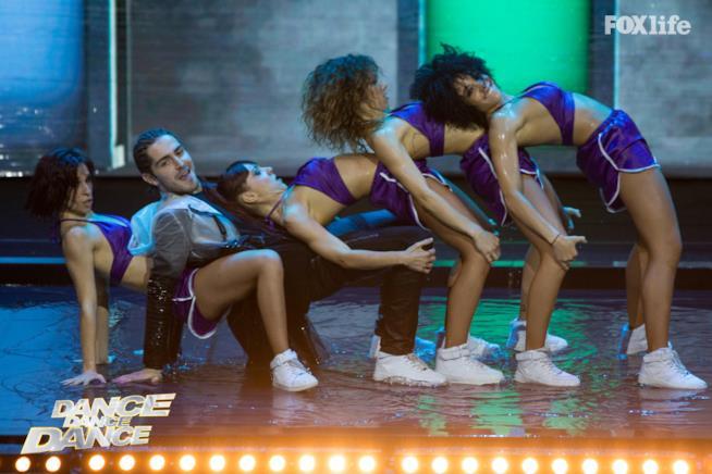 Tommaso nell'esibizione singola del settimo serale di Dance Dance Dance 2
