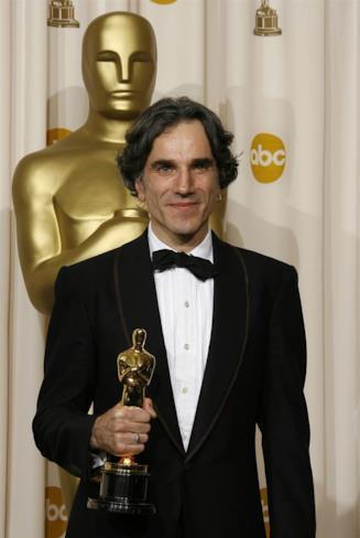 Daniel Day-Lewis  alla cerimonia degli Oscar per Il Petroliere
