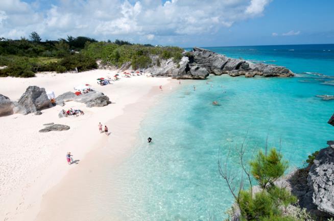 La bellissima baia di Horseshoe Bay alle Bermuda