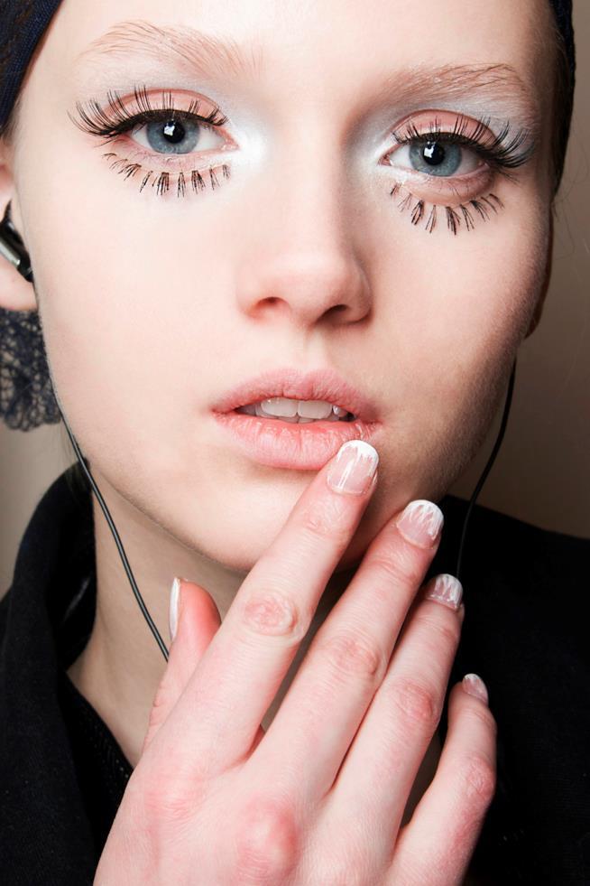 Nail art french con unghie quadrate