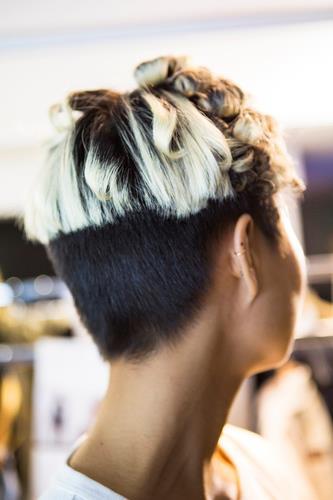 Mèches su capelli neri