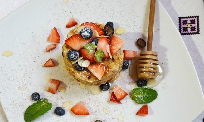 Biscotti e frutta fresca