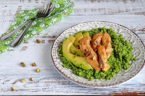 Piatto di verdura e pesce