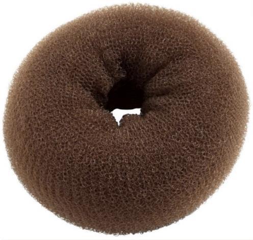 Una ciambella per chignon di colore marrone