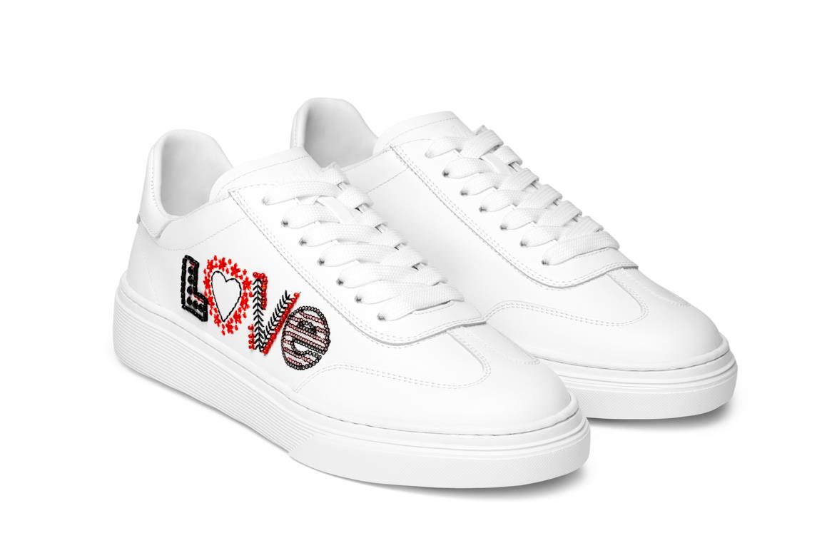 8f835550825d2 Hogan Sneakers bianche Love special edition per San Valentino 2019
