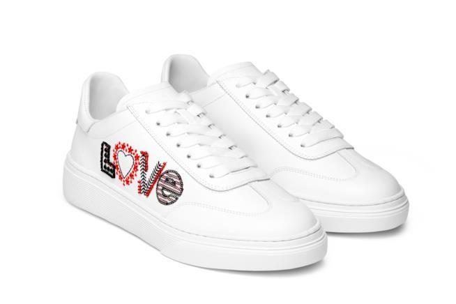 Hogan Sneakers bianche Love special edition per San Valentino 2019