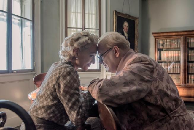 Kristin Scott Thomas e Gary Oldman sono Clementine e Winston Churchill