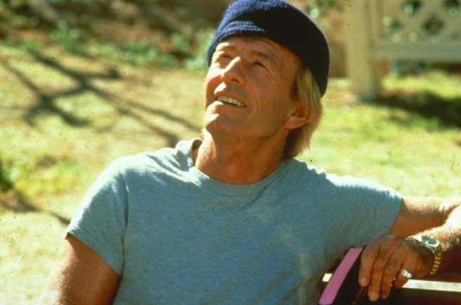Paul Hogan in una scena del film di John Cornell