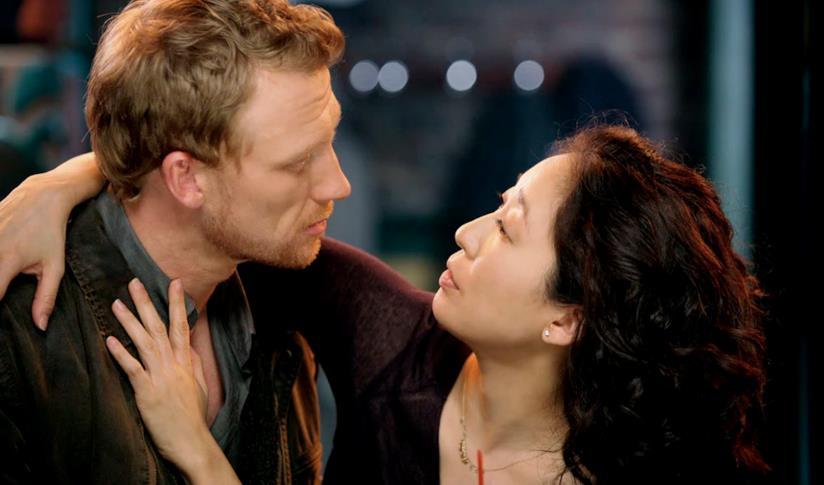 Un'immagine di Cristina e Owen nella sesta stagione di Grey's Anatomy