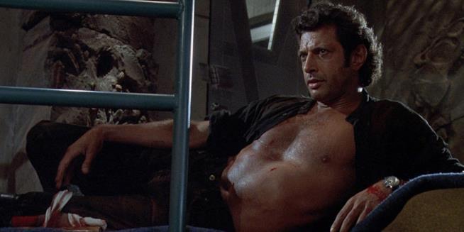 Il Dr Ian Malcolm ferito in Jurassic Park
