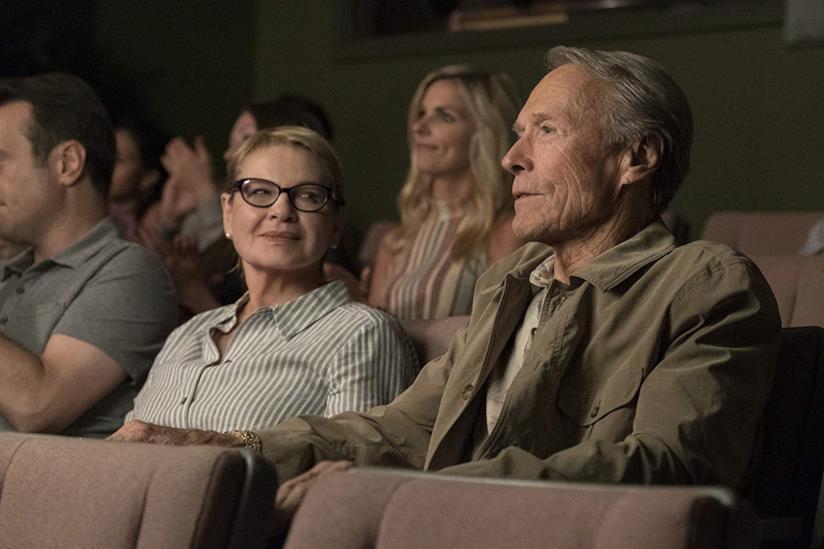 Eastwood è un corriere della droga ancora innamorato della ex moglie Dianne Wiest