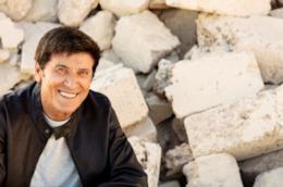 Gianni Morandi per il nuovo album 'd'amore d'autore'