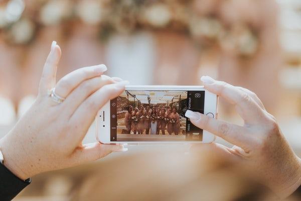 Foto di gruppo con il cellulare