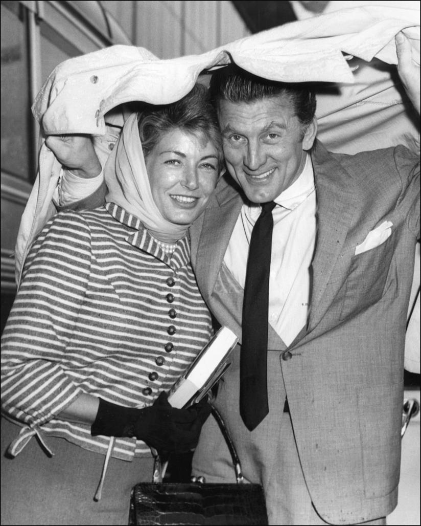 Kirk Douglas e la moglie Anne Buydens