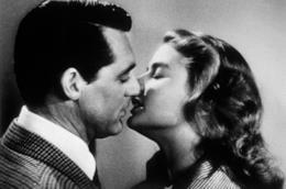Un bacio tra Cary Grant ed Ingrid Bergman
