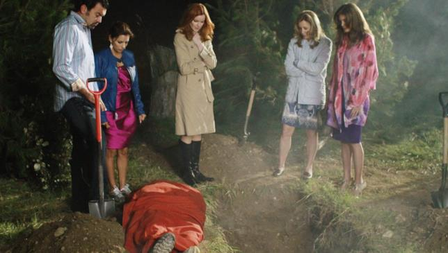 Desperate Housewives: Carlos e le protagoniste nascondono un cadavere