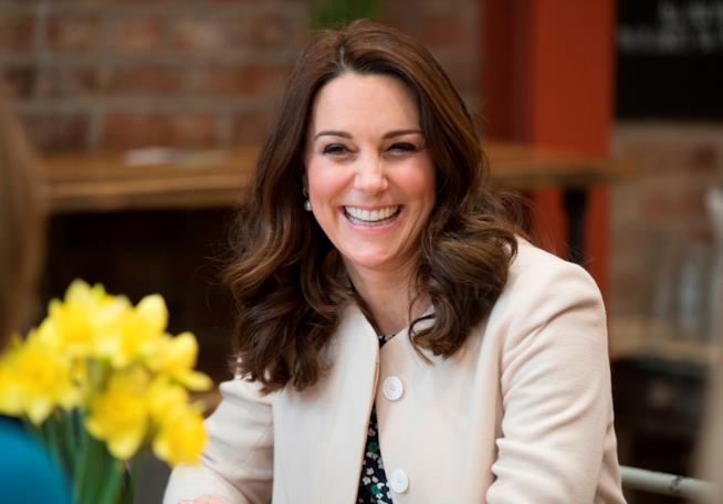 Il volto sorridente della futura mamma Kate Middleton