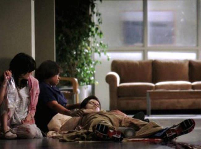 Charles Percy muore durante la sparatoria della sesta stagione di Grey's Anatomy