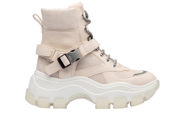 Chunky sneakers alte in pelle crema Prada Collezione 2019
