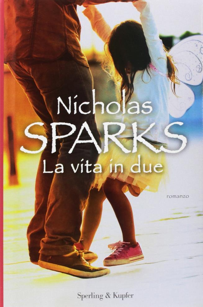 copertina rosa e dolce del romanzo La vita in due
