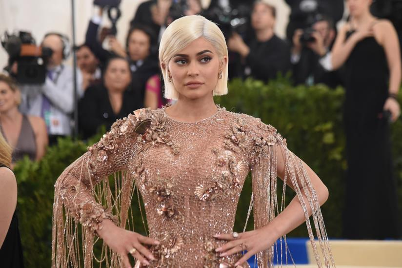 Kylie Jenner in posa per una serata di moda della maison