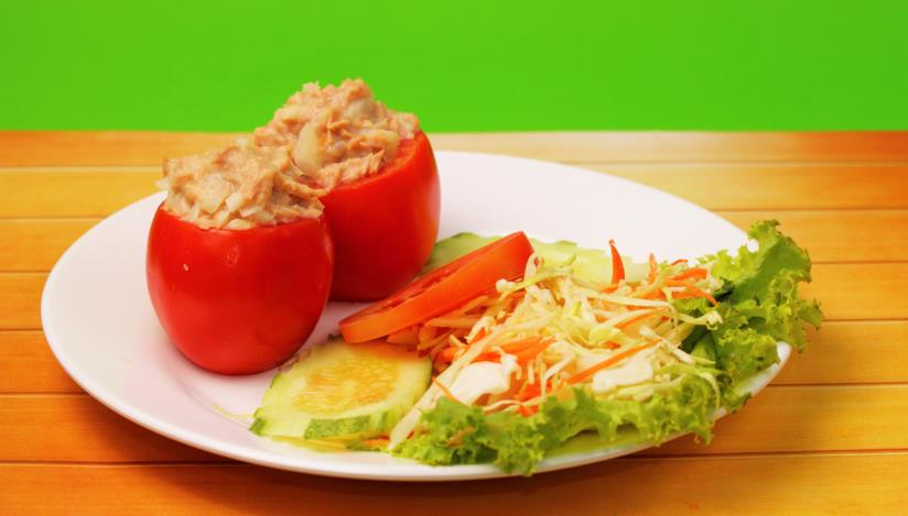 Pomodori ripieni di salsa tonnata