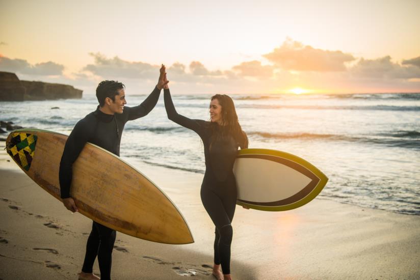 Due surfisti a San Diego