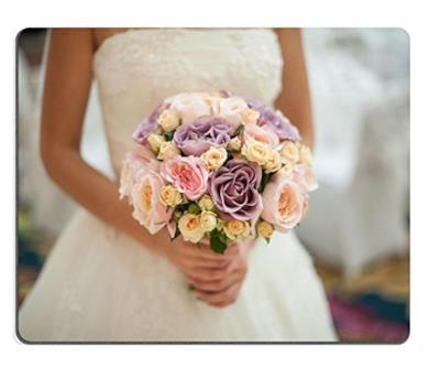 Bouquet da sposa con fiori misti
