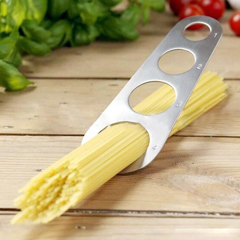 Misuratore di spaghetti in azione