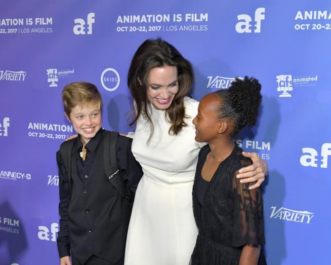 Angelina Jolie con le figlie Shiloh e Zahara