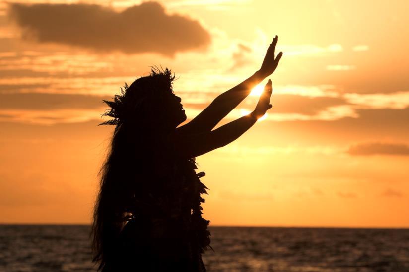 Hula al tramonto