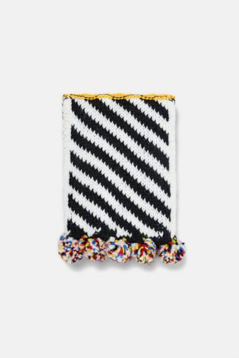 Sciarpa patchwork con pompon