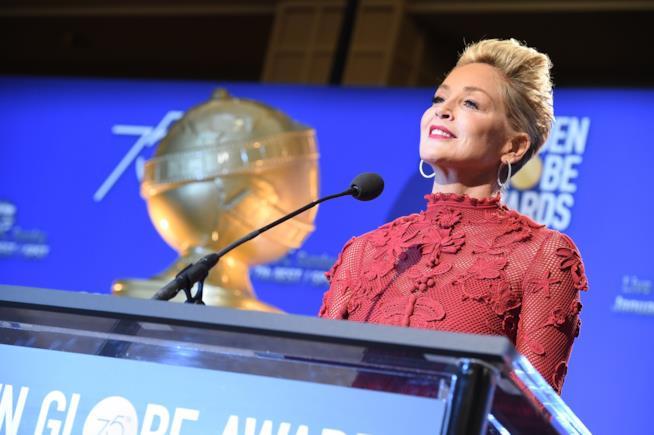 Sharon Stone annuncia le nomination dei Golden Globes 2018
