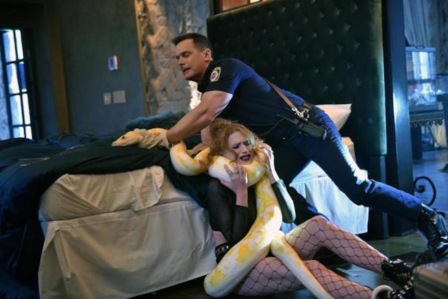 911: un'immagine promozionale dell'episodio pilota