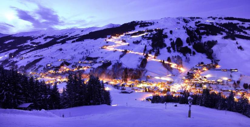 Pinzgau, Pongau, Austria, pista illuminata notturna