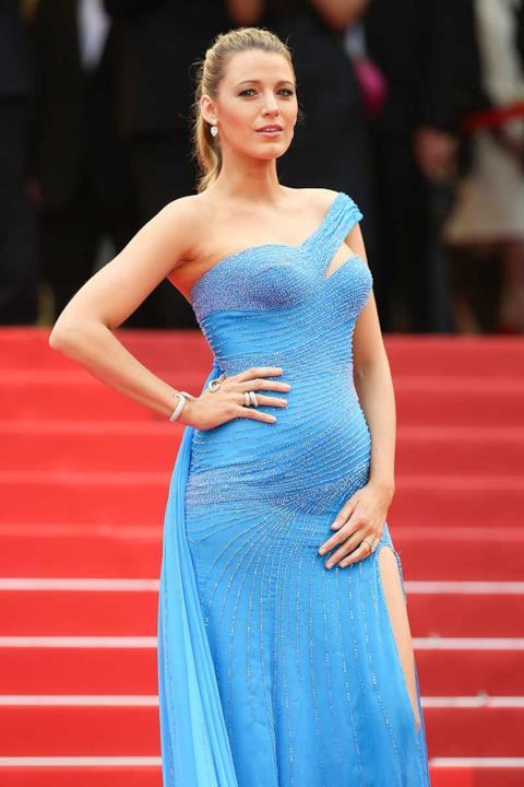 Uno dei look da red carpet adottato da Blake Lively in gravidanza