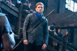 Taron Egerton nei panni di Robin Hood