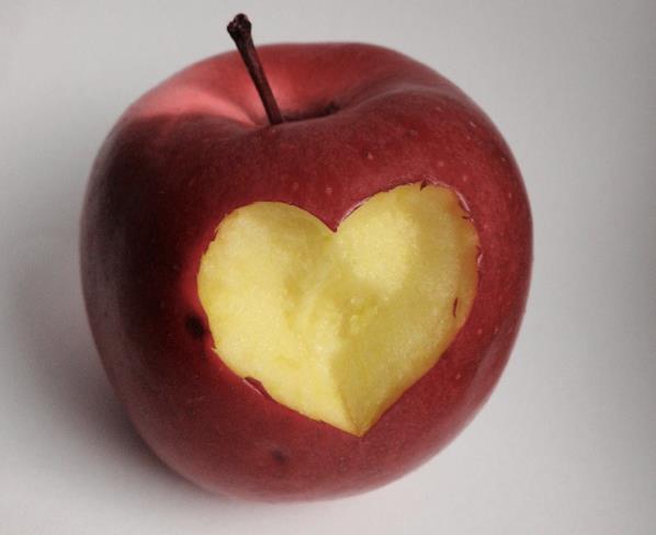"""A San Valentino """"Adotta un melo"""" in Val di Non"""