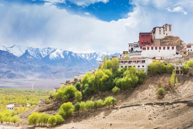 Veduta del monastero di Thiksey in Ladakh, India