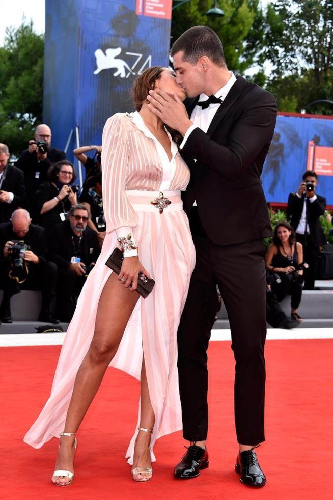 Sonia Lorenzini ed Emanuele Mauti sul red carpet