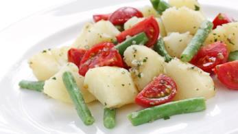 Insalata di patate, fagiolini e pomodorini