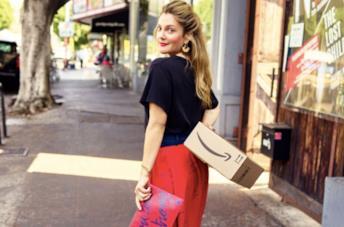 Drew Barrymore nella foto della campagna della sua linea